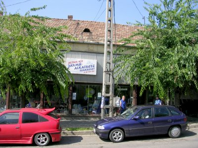 A helpful Bike Shop in Vác, Hungary